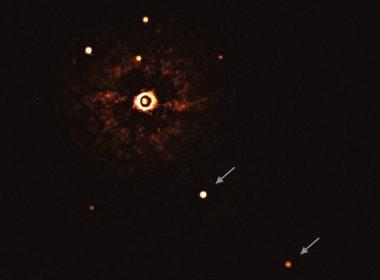 Astrónomos revelan la primera imagen directa de planetas alrededor de una estrella similar al Sol