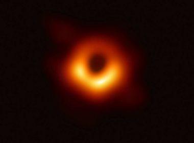 Universo insólito: primer agujero negro fotografiado se mueve y cambia su forma y brillo