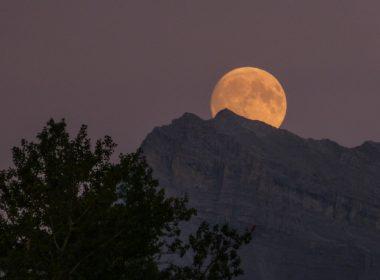 HOY: Luna llena en el cielo de todo el mundo