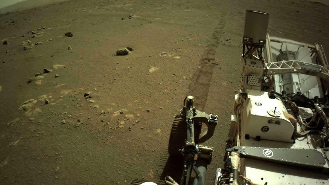 Escucha el sonido de Perseverance mientras conduce por Marte