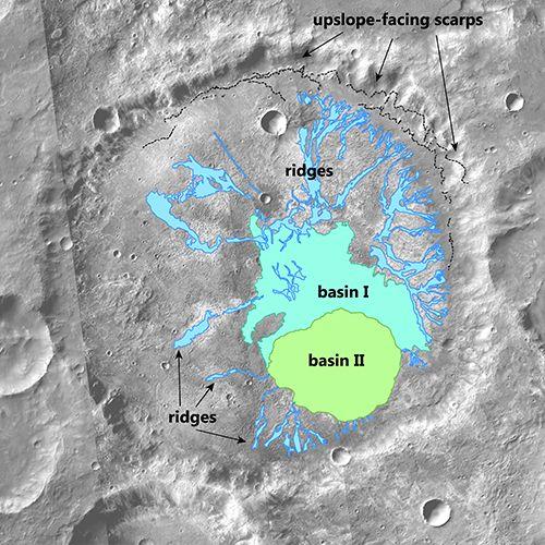 En esta zona de Marte hubo un glaciar que terminó derritiéndose. El equipo concluyó que el deshielo ocurrió de arriba hacia abajo en el antiguo glaciar creando las crestas en el suelo del cráter. Este es un mapa de cómo el deshielo puede haberse movido a lo largo de la cuenca