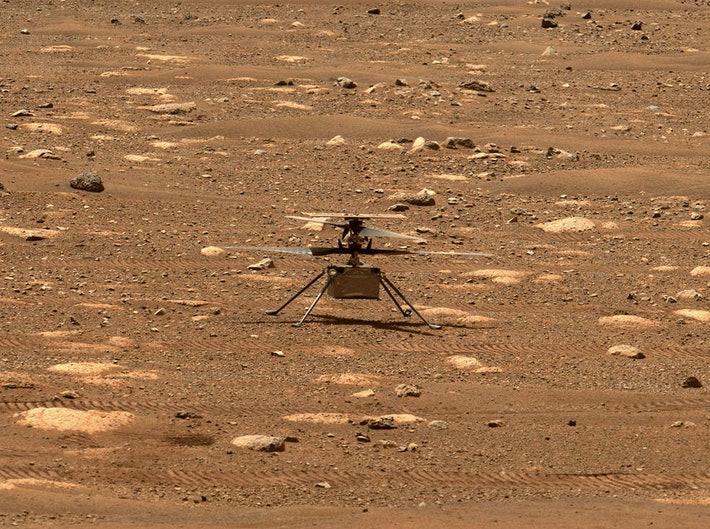 El rover Perseverance dejó el helicóptero Ingenuity en Marte y lo vio volar por primera vez