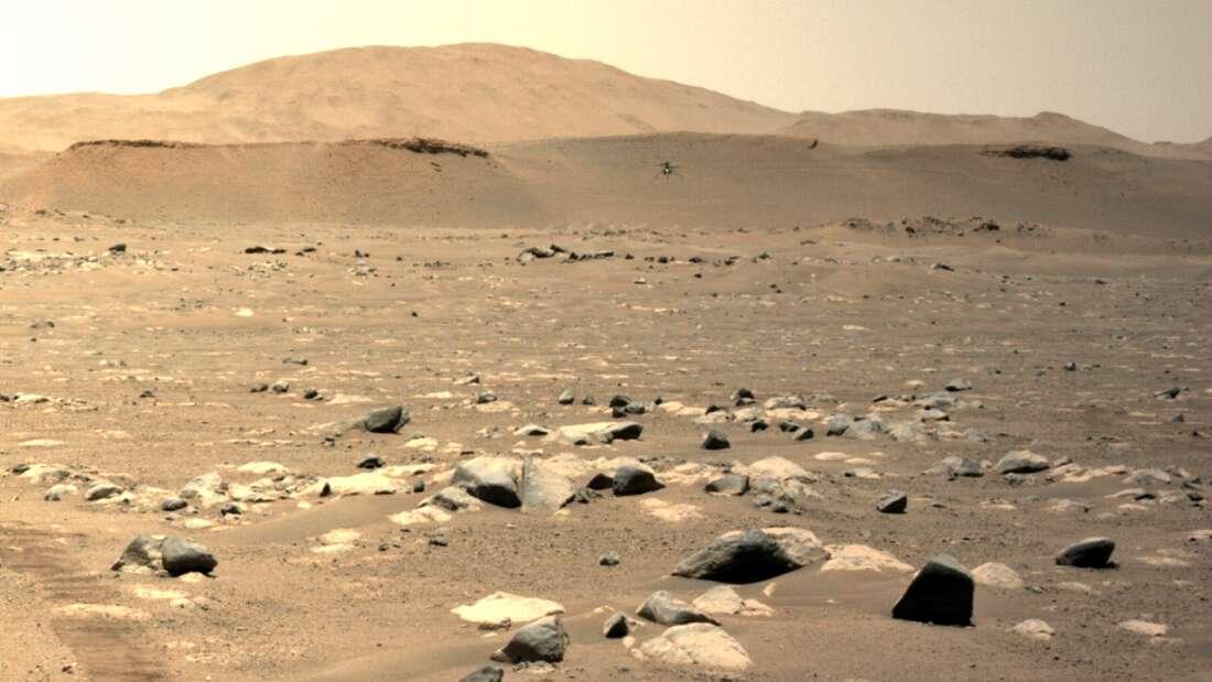 Ingenuity en pleno vuelo en Marte